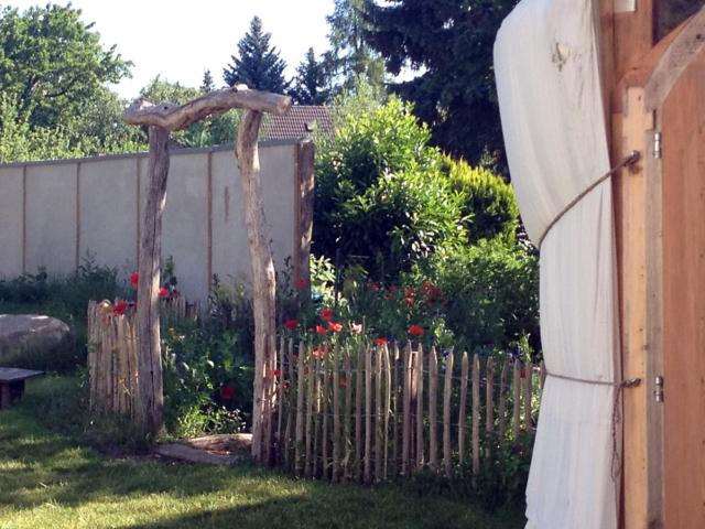 Garten auf dem Hof der Freien Schule Fläming